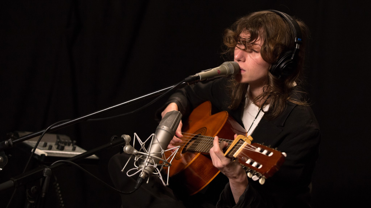 Aldous Harding in Studio A (photo by Brian Gallagher/WFUV)