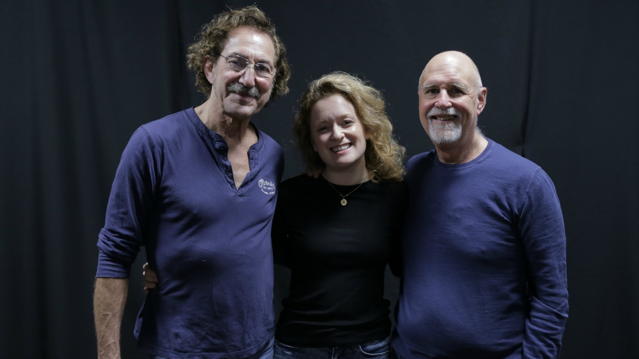 Freebo and Alice Howe with John Platt (Photo by Jeremy Rainer/WFUV)