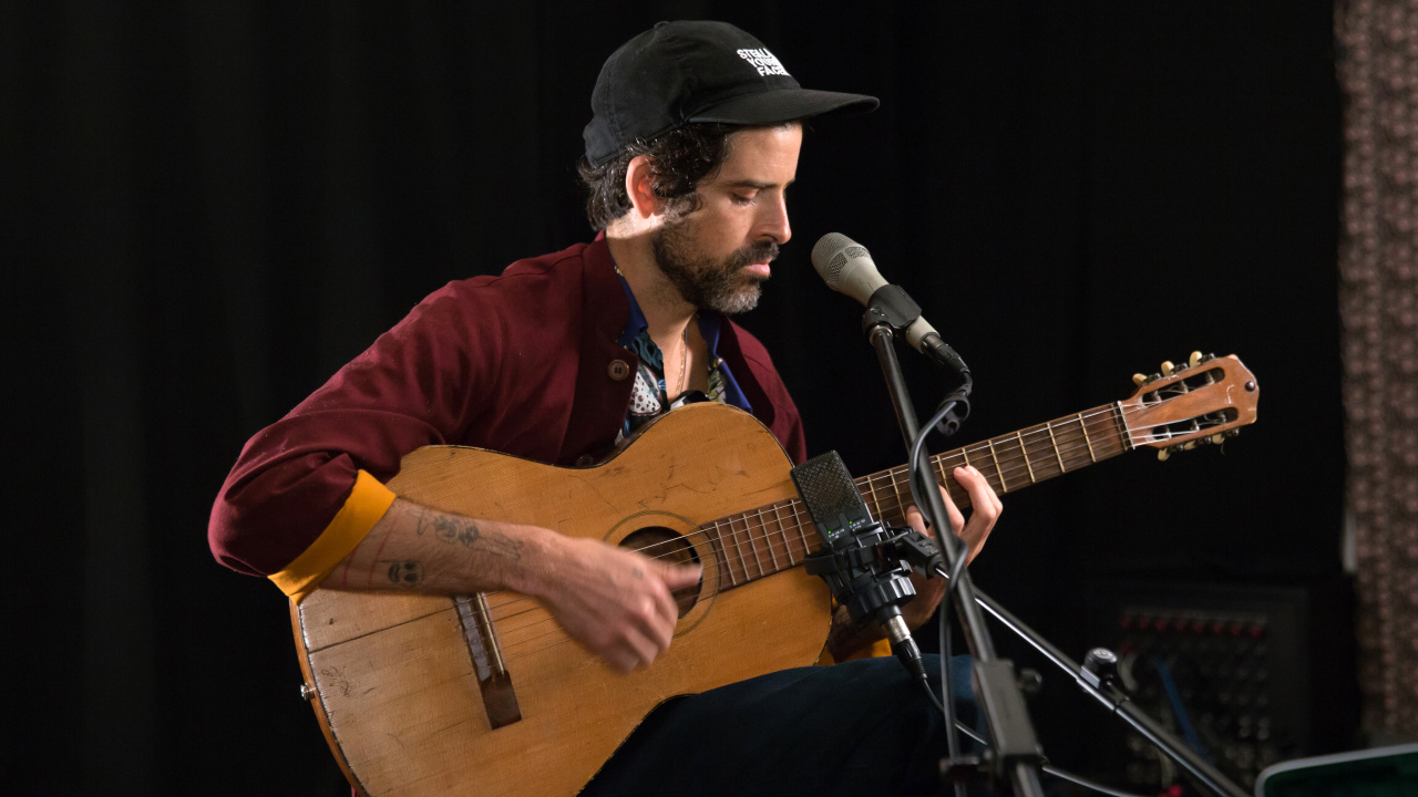 Devendra Banhart in Studio A (photo by Jake Lee/WFUV)