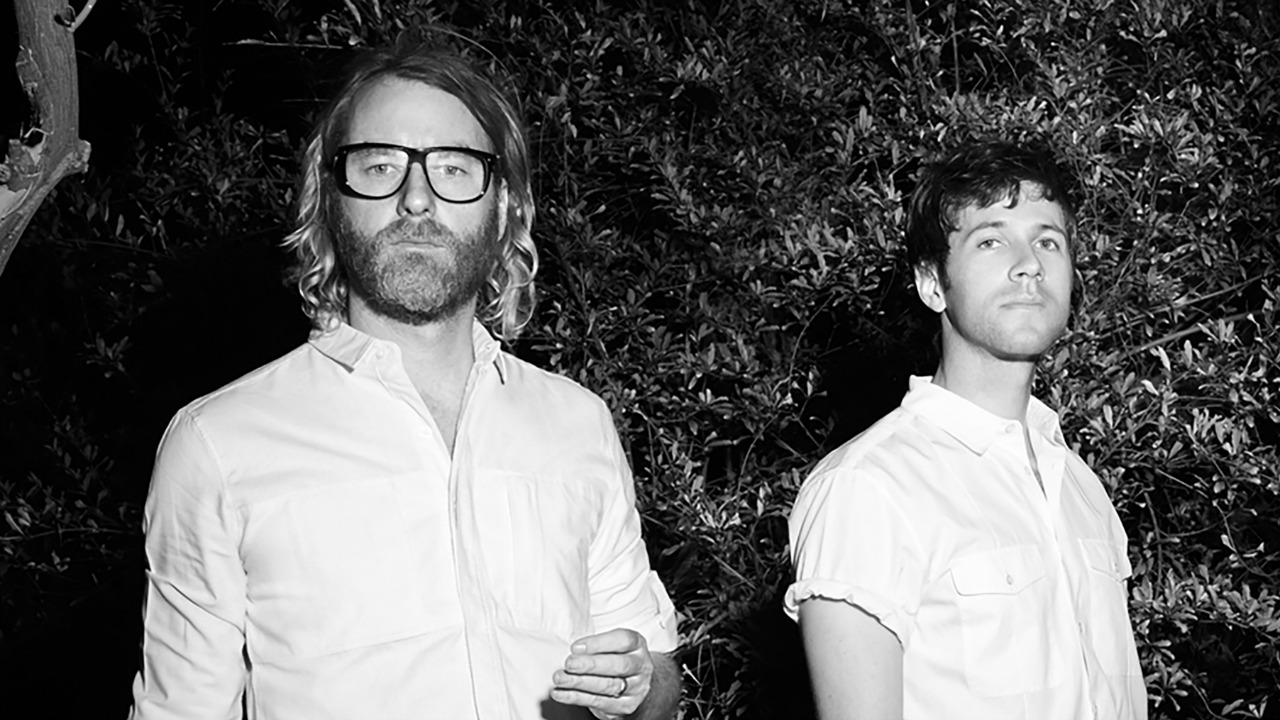 EL VY (photo courtesy of Beggars Group, PR)
