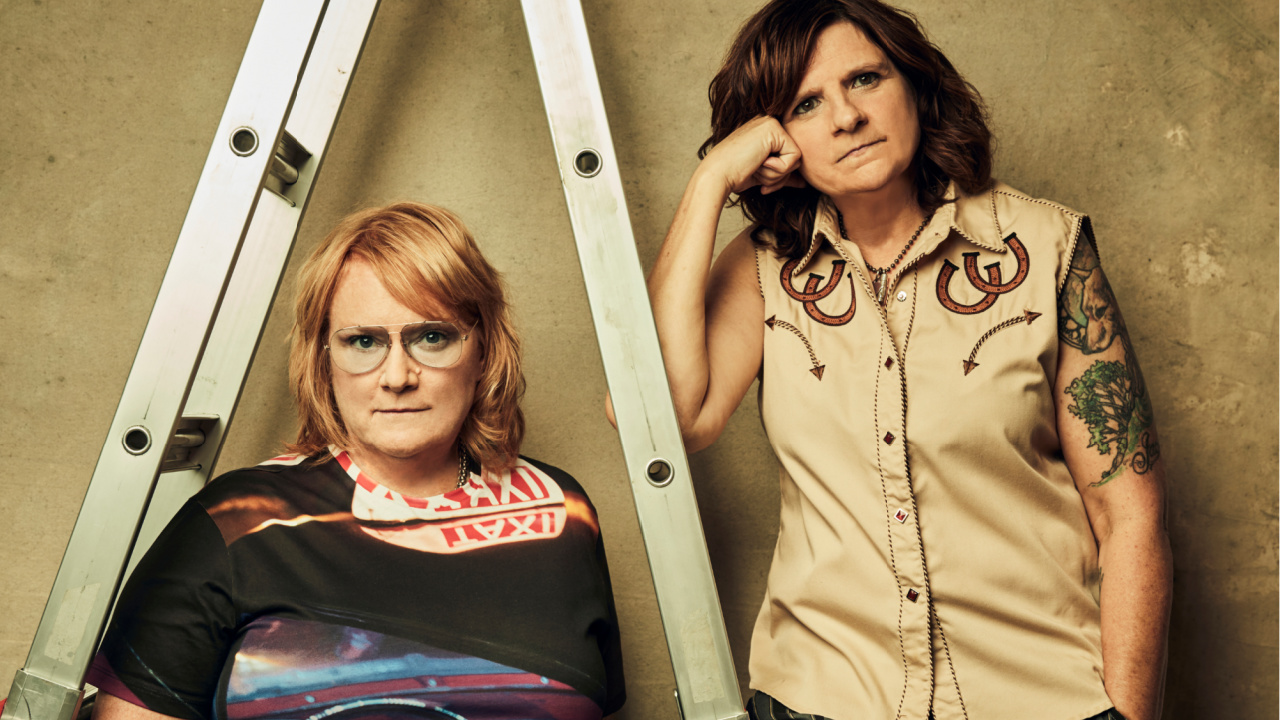 Indigo Girls (photo by Jeremy Cowart/PR)