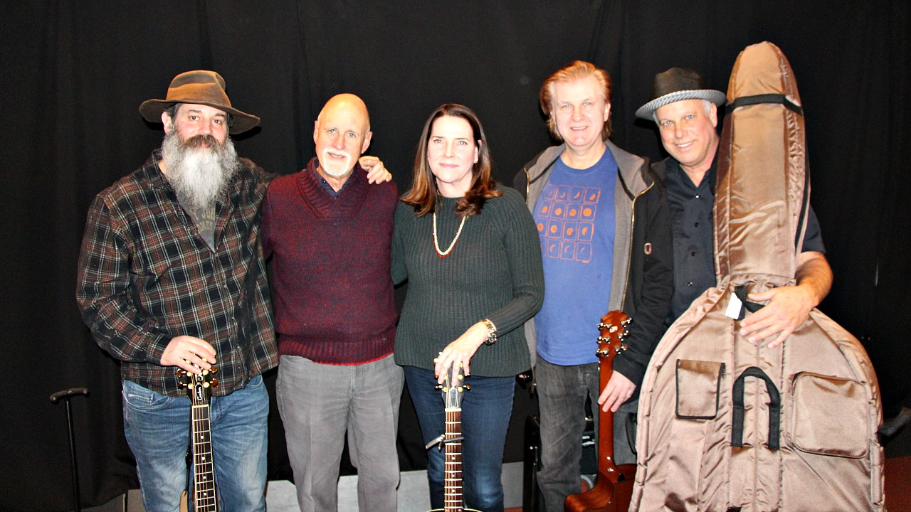"Susan Kane and Bill Scorzari with bandmates and ""Sunday Supper"" host John Platt (photo by Jeremy Rainer)"