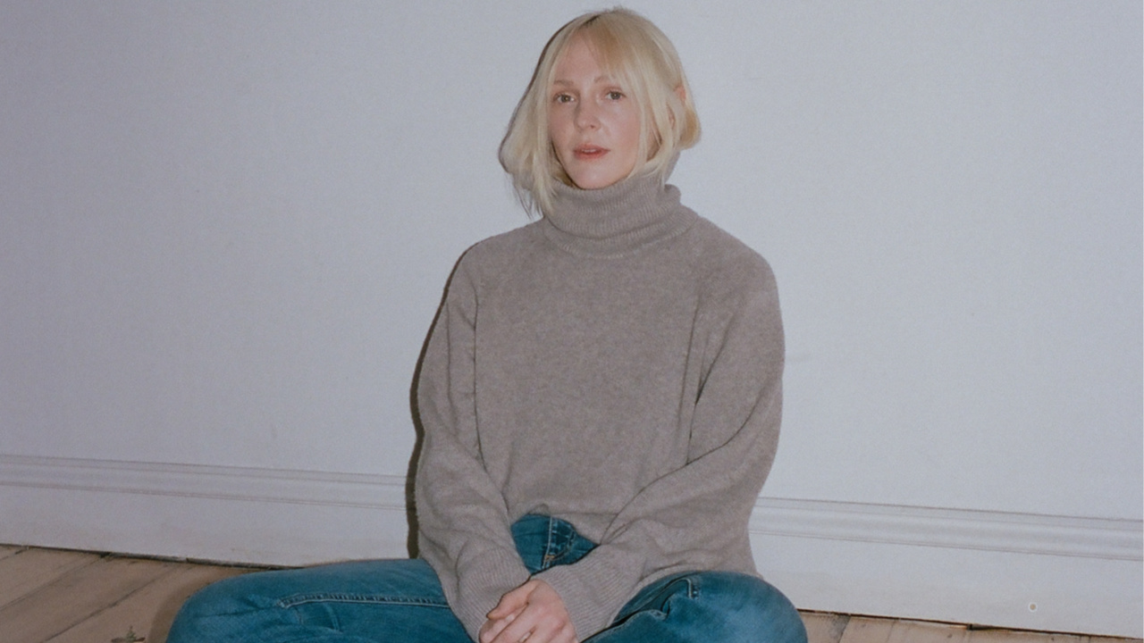 Laura Marling (photo by Justin Tyler Close)