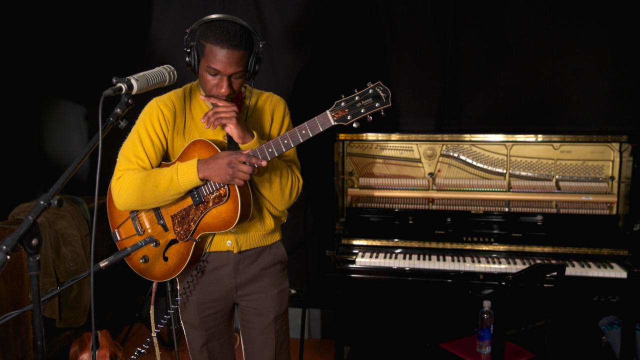 Leon Bridges (photo by Michael Shemenski/WFUV)