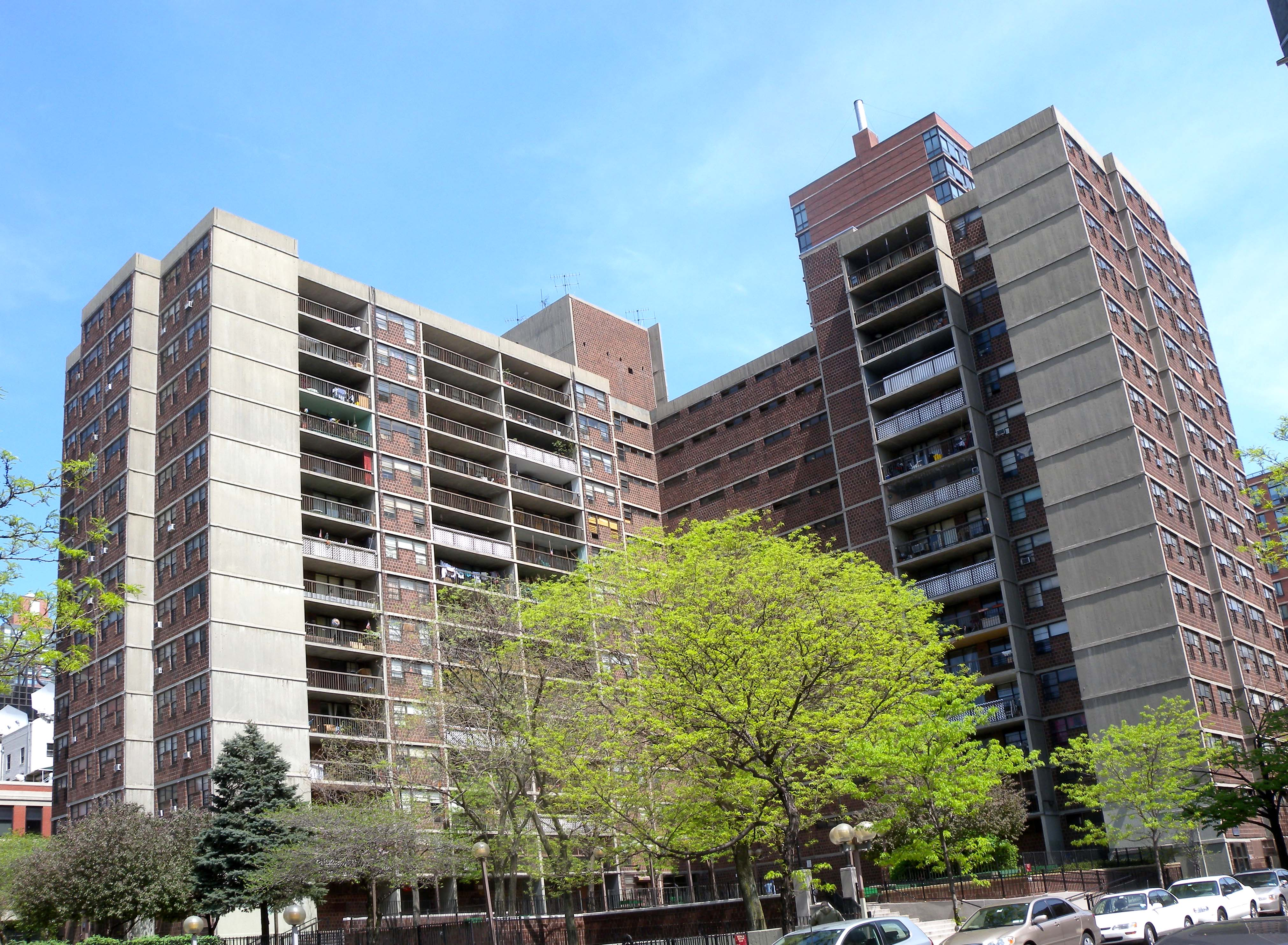 Wikimedia Commons Image of NYCHA housing residence