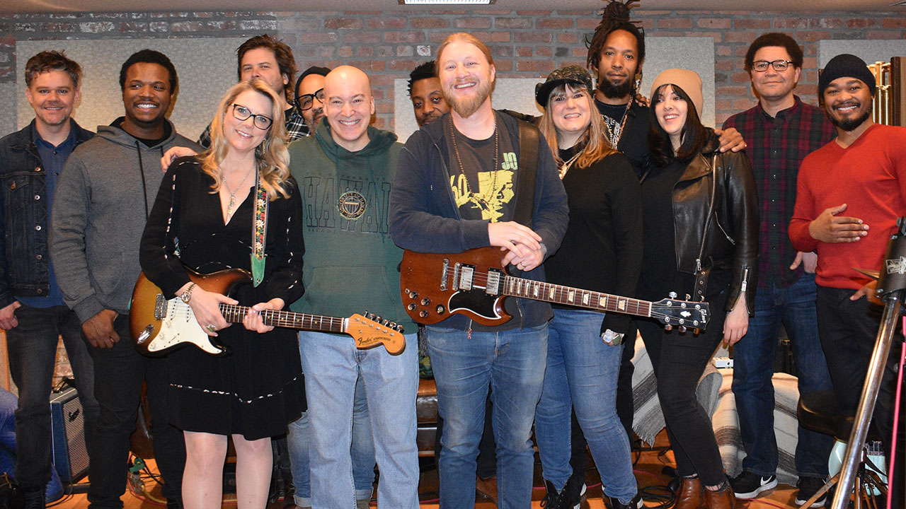 Tedeschi Trucks Band with Eric Holland (photo by Blake Budney)