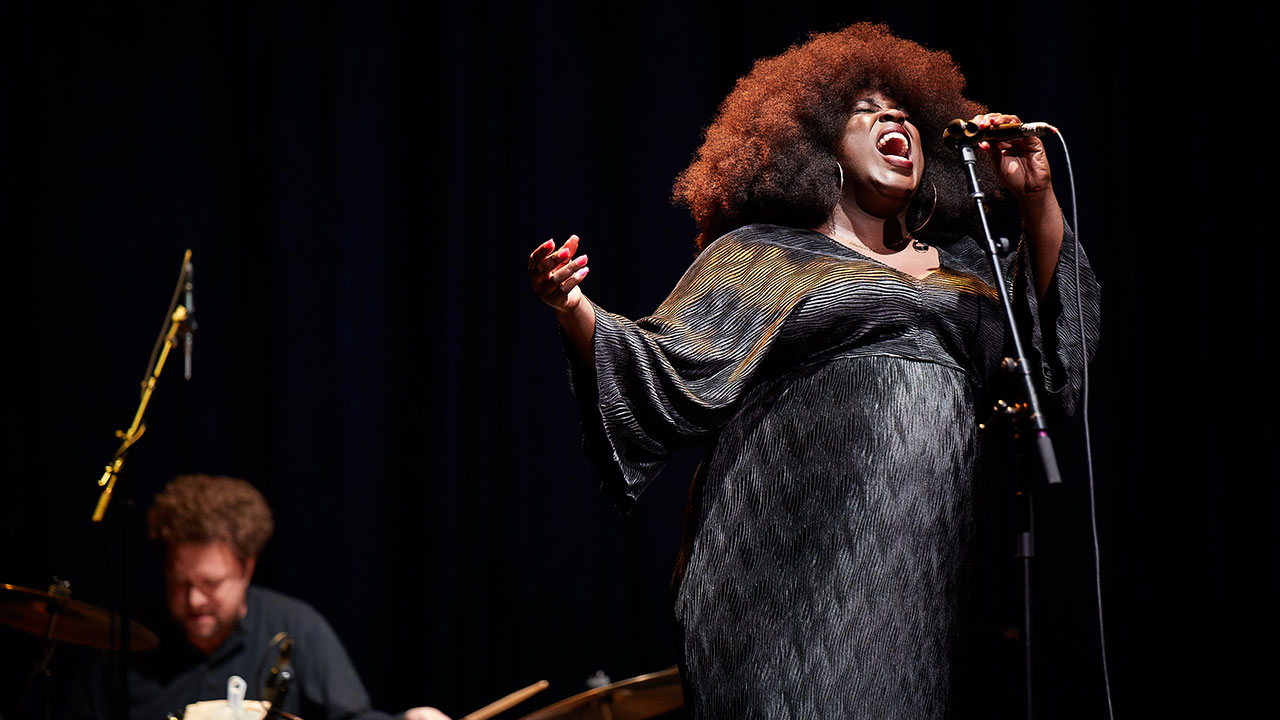 Yola at Holiday Cheer for FUV 2019 (photo by Gus Philippas, WFUV)