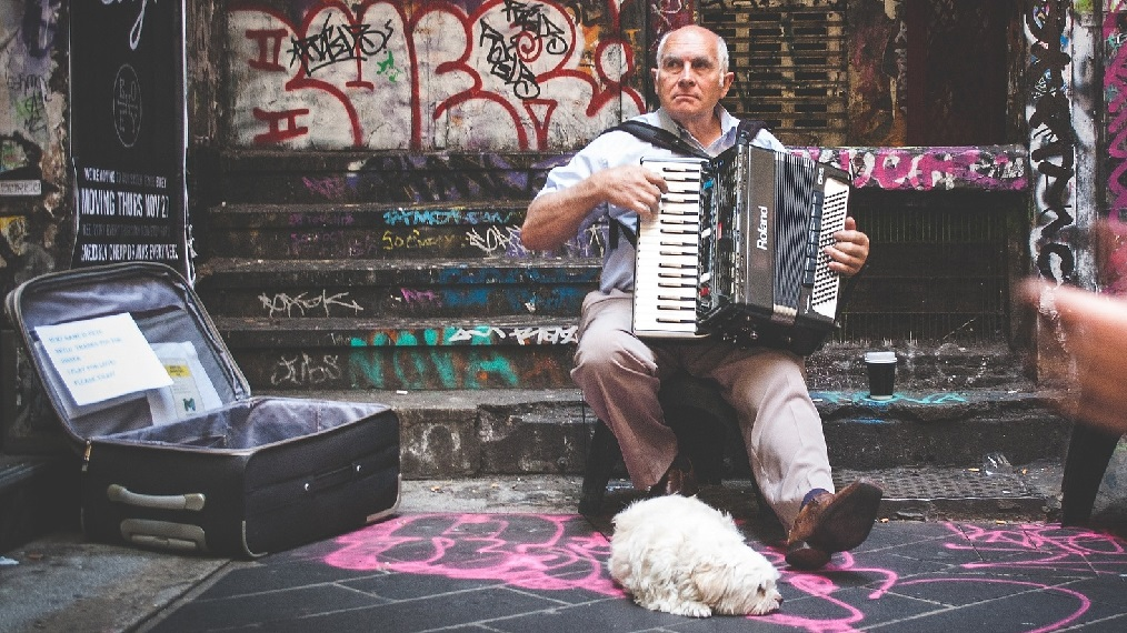 accordion-busker