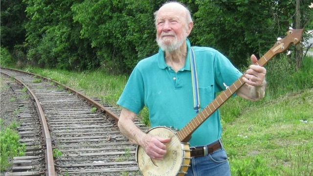 From the FUV Vault: Pete Seeger, his banjo and host Rita Houston in a 1995 interview.