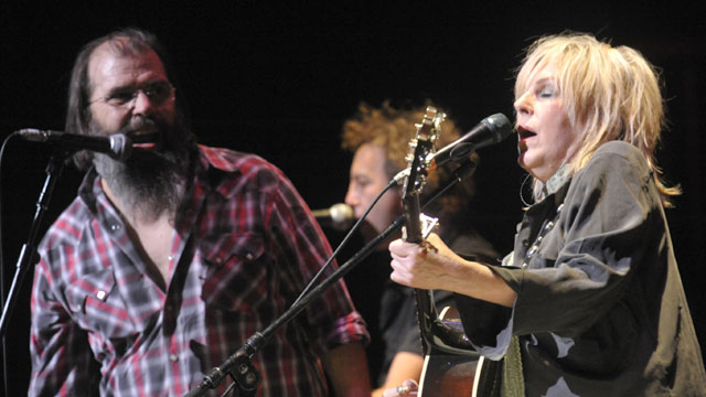 Follow along live with words and pictures from the Holiday Cheer for FUV Benefit show