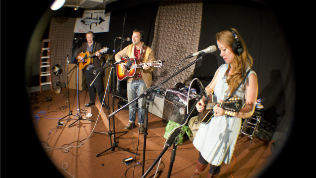 Hear an FUV Live session with the Lone Bellow tonight at 9