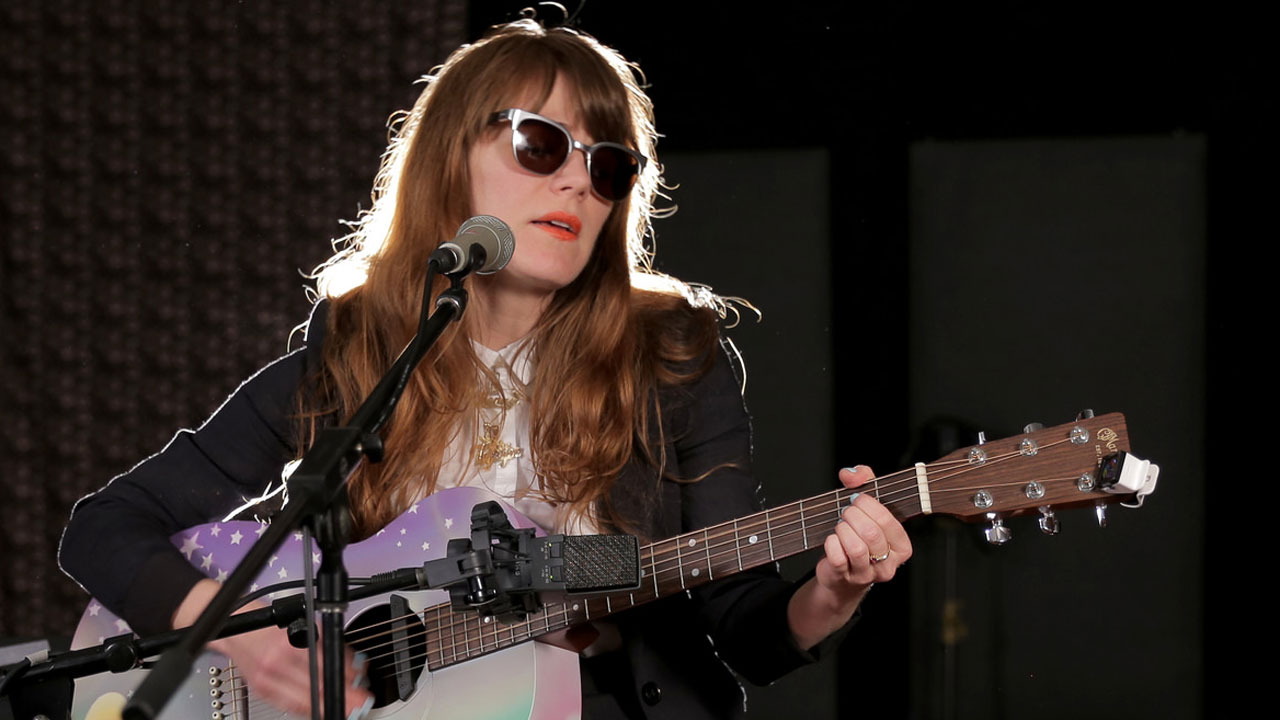 Hear an FUV Live session with Jenny Lewis tonight at 9.