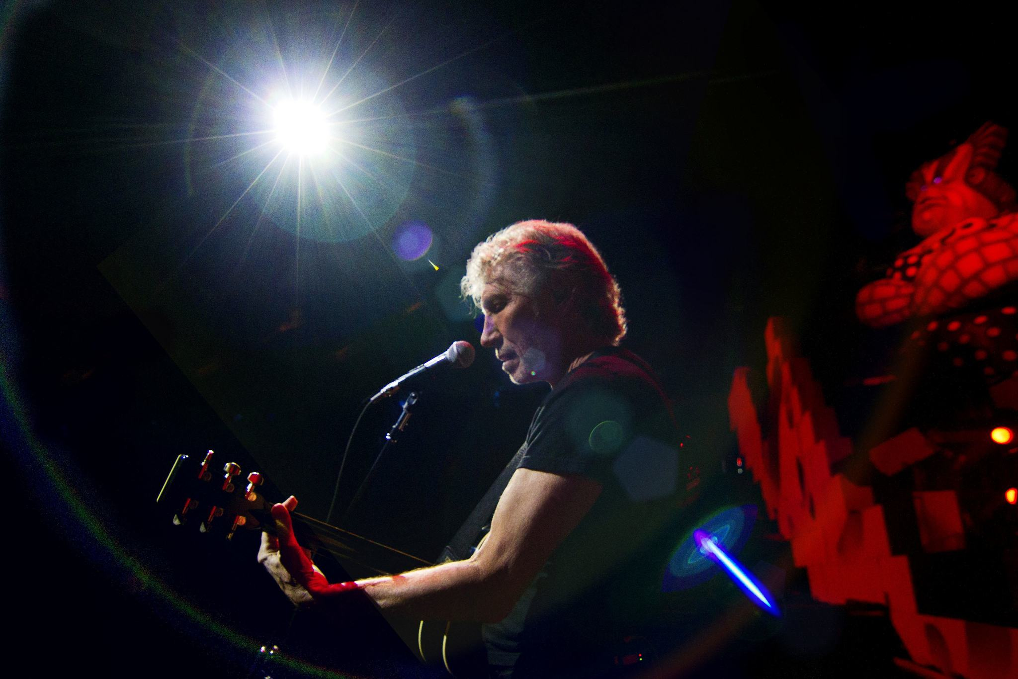 Roger Waters builds the 'Wall' this weekend at Yankee Stadium; turns 70 in September