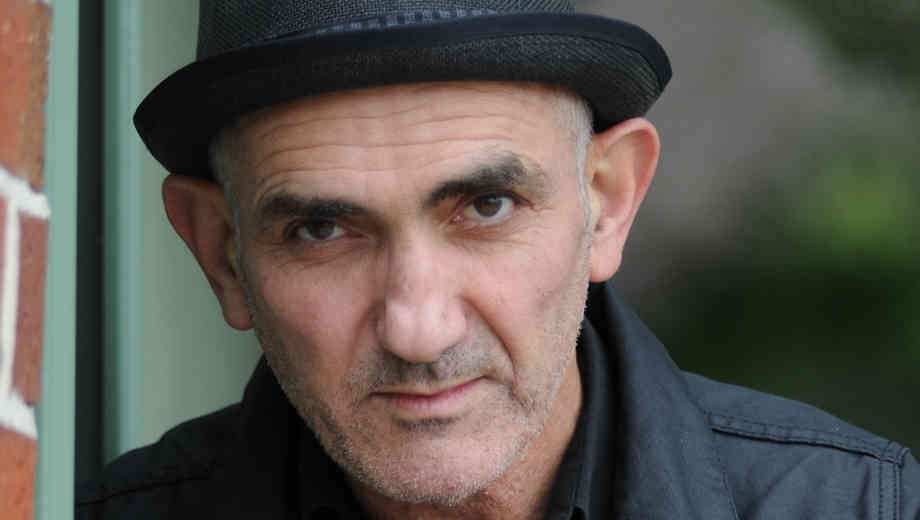 Tonight at 9pm on Words & Music, host John Platt welcomes Australian songwriting icon Paul Kelly to Studio A.