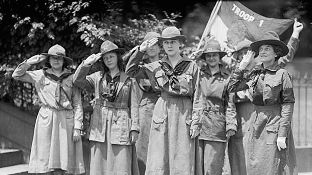 girl-scouts-outdoors-salute