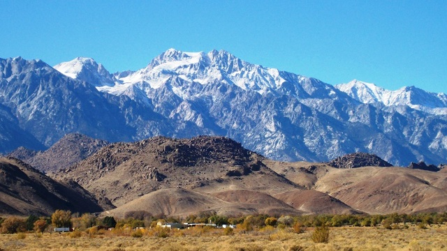 snow-capped-sierra-mountains-alabama-hills