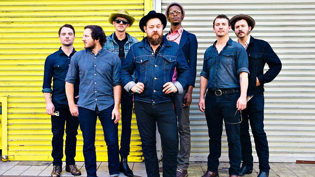 Nathaniel Rateliff and The Night Sweats (photo by Malia James, PR)