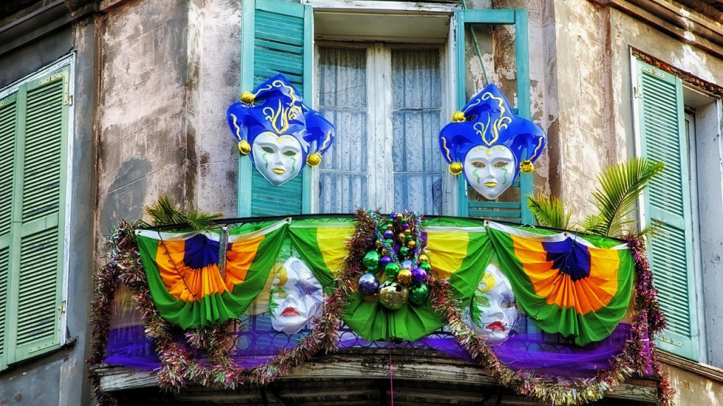 New Orleans at Mardi Gras (photo by David Mark for Pixabay)