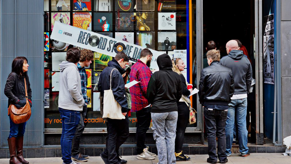 record-store-day-line