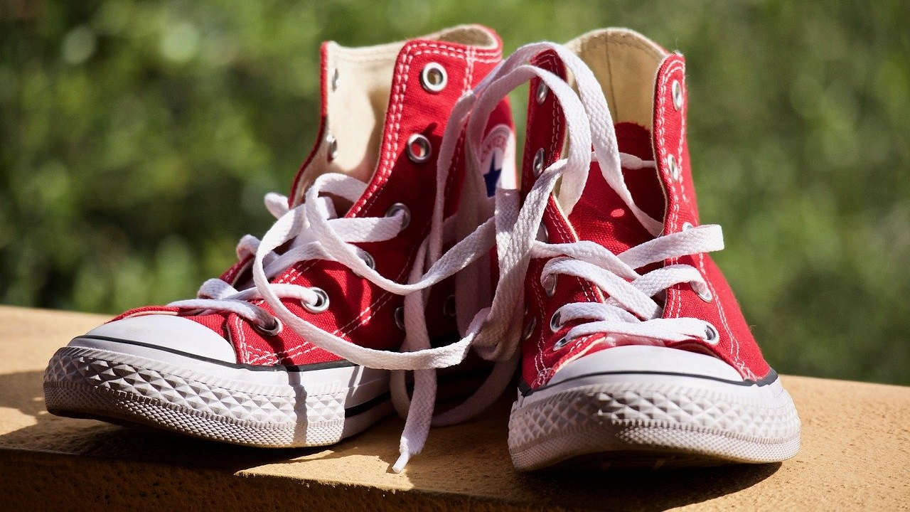 red-converse-sneakers