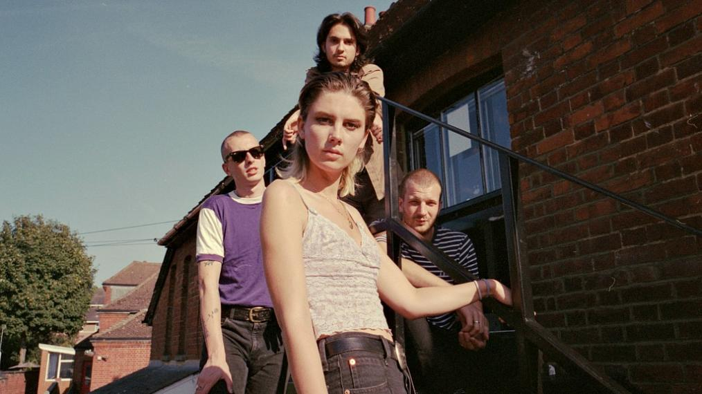 Wolf Alice (photo by Jono White, PR)