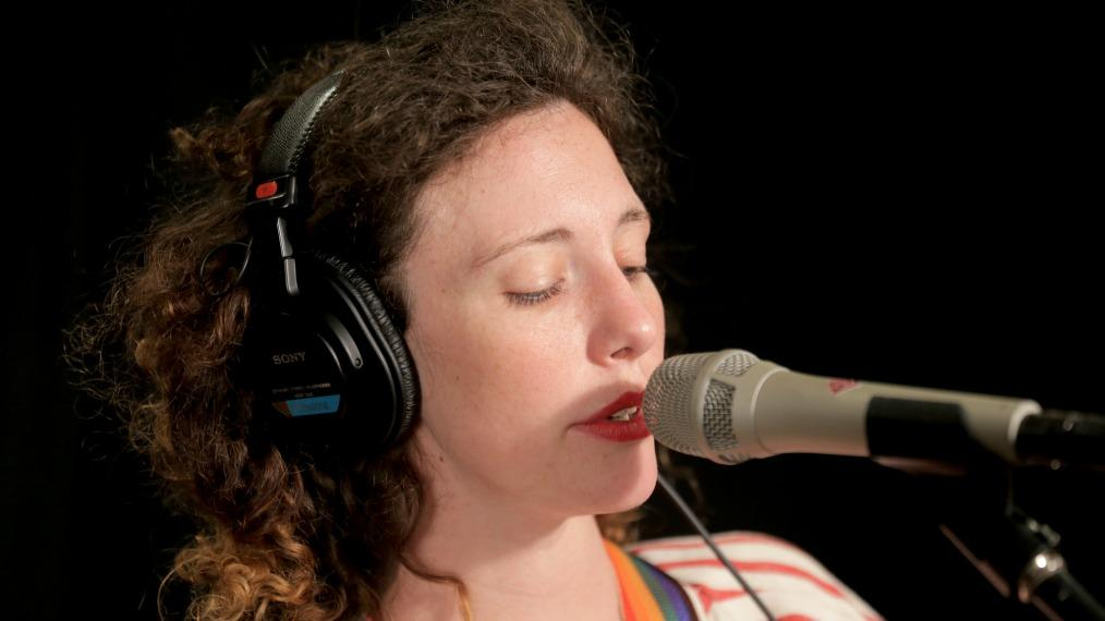 Esme Patterson at WFUV