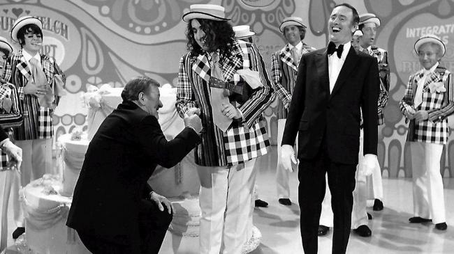 john-wayne-tiny-tim-laugh-in-rowan-martin