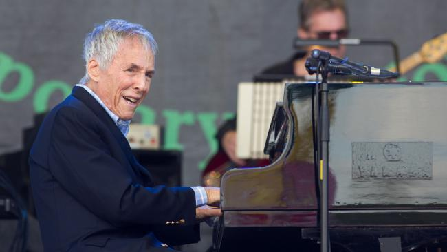 burt-bacharach-glastonbury-2015