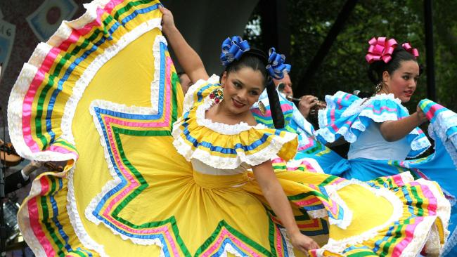 cinco-de-mayo-dancers