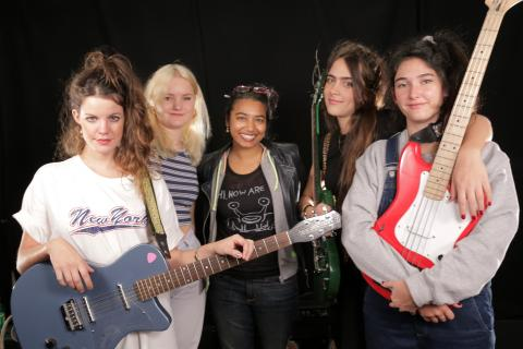 Hinds with host Alisa Ali at WFUV (photo by Vanessa Agovida)