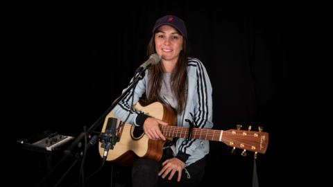 Amy Shark in Studio A (photo by Kristen Riffert/WFUV)