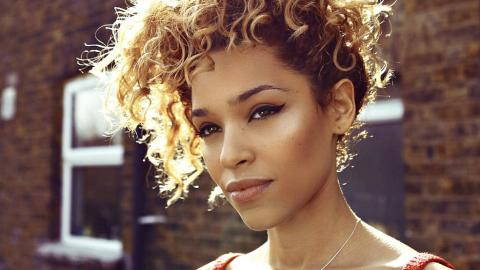 Izzy Bizu (photo courtesy of No Big Deal PR)