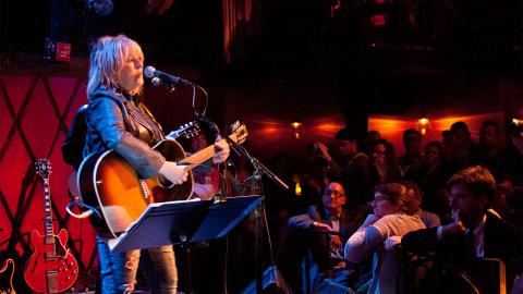Lucinda Williams at Rockwood Music Hall (photo by Laura Fedele)