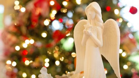 angel-Christmas-ornament-decoration