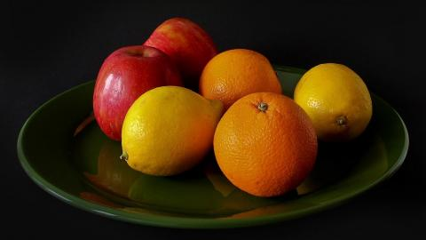 fruit-oranges-lemons-apples-plate