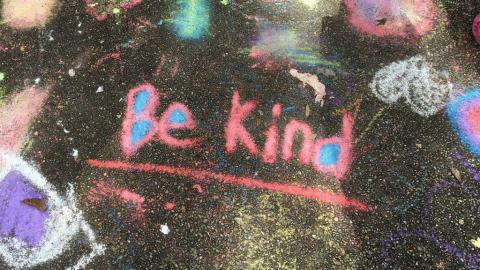 Be Kind (photo by Renee Bigelow for Pixabay)