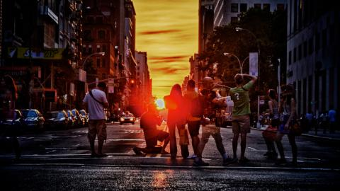 manhattanhenge-sunset-new-york-city