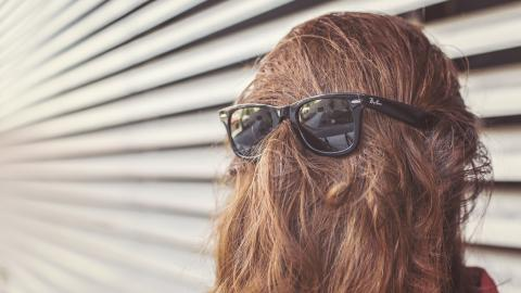 sunglasses-woman-hair