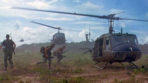 vietnam-UH-1D-helicopters-1966