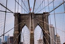 Religious Groups to March Across Brooklyn Bridge Against School Ban