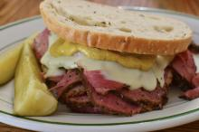 pastrami on rye bread