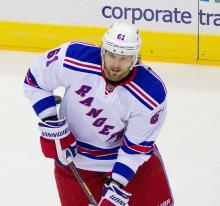 Rangers Edge Capitals 4-2, Extend Win Streak to Seven