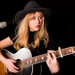 Holly Macve at WFUV