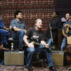 Derek Trucks Band (photo by Michael Schmelling/PR)