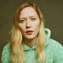 Julia Jacklin (photo by Shervin Lainez, PR)