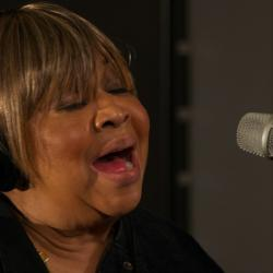 Mavis Staples in Studio A (photo by Deirdre Hynes/WFUV)