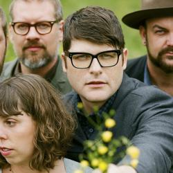 Colin Meloy (center) with The Decemberists (photo by Autumn de Wilde/PR)