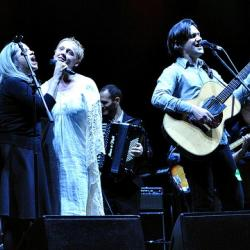 Hear 'Holiday Cheer for FUV: Live from The Beacon Theatre,' today at Noon.