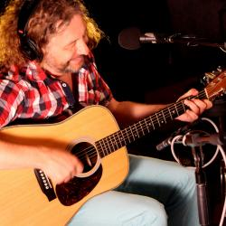 Hear an FUV Live session with James Maddock tonight at 9.