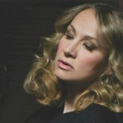 Tuesday at 9pm on Words and Music: Blues, R&B, soul and a voice made to sing them - Joan Osborne. See video here.